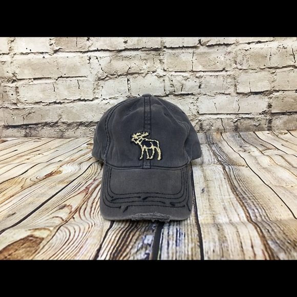 Abercrombie   Fitch Other - Abercrombie embroidered moose fitted baseball  hat e79f8aa6466